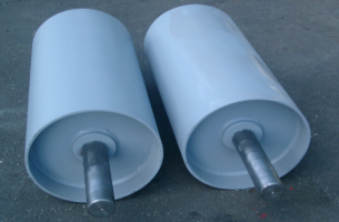 Conveyor Drive Roller with Vulcanized Diamond Rubber Lagging and Bossed and Keyed Shaft